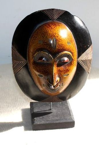 Petit masque passeport sur socle  6521-S6V-1810