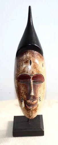 Petit masque passeport sur socle  6529-S6V-1810