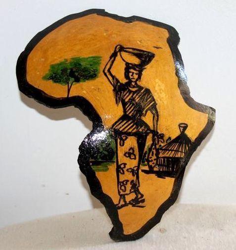 Carte afrique. Peinture sur  en calebasse découpée  6575-S6V-1810